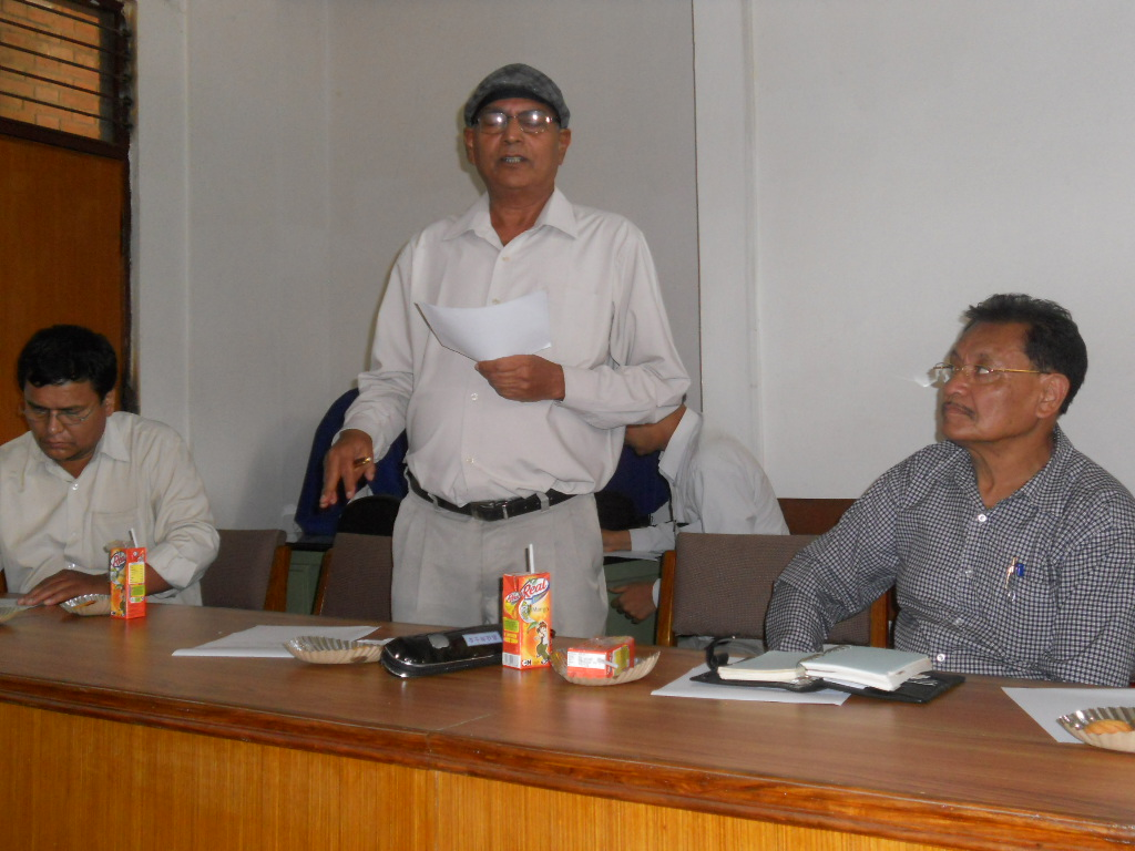 Prof. Dr. Yogendra Prasad Yadava, former President, LSN, at meeting with former presidents and Chief Editors on August 12, 2012